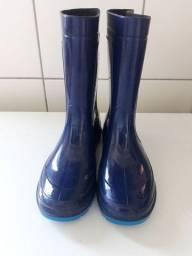 Bota azul tamanha 31/32 Grendene