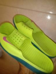 Chinelo Nike novissimo