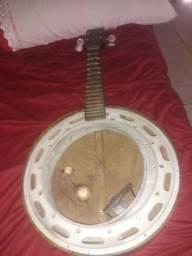 Banjo Del Vecchio só falta pele