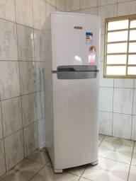 Geladeira/Refrigerador Continental TC44 em Palmas-TO