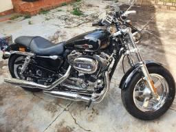Moto Harley Davidson XL 1200 Custom
