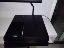 PS4 muito novo.