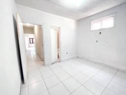 Kitnet com 2 dormitórios para alugar, 56 m² por R$ 800,00/mês - Edson Queiroz - Fortaleza/