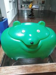 Baú em forma de urso brinquedos
