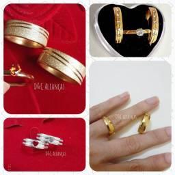 Alianças aço inoxidável banhado a ouro