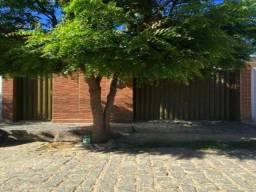 Título do anúncio: Casa com 2 quartos em Cajazeiras PB