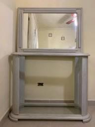 Aparador e Espelho em Madeira
