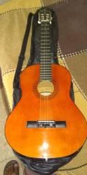 Vende-se um violão