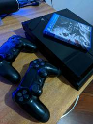 PS4 FAT COM 2 CONTROLES E JOGO GHOST OF TSUSHIMA