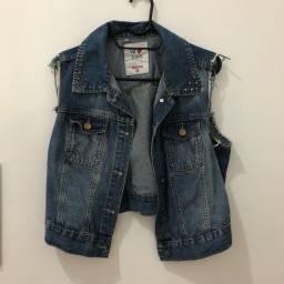 Colete Jeans com Spikes