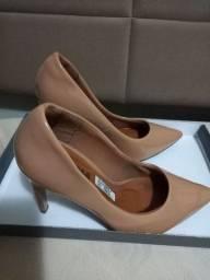 Sapato tipo scarpan salto alto 20 reais twm 35