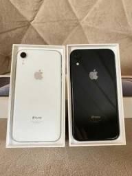 iPhone XR 64GB Preto e Branco ( Aceito cartão - trocas em iphone )