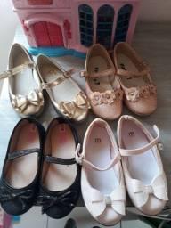 sapatos infantil número 23,24