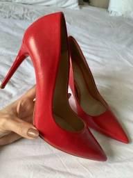 Scarpin vermelho