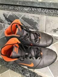Título do anúncio: Basqueteira Tênis Nike Original TAM 43/44