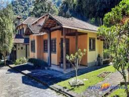 Título do anúncio: Casa à venda em condomínio com 3 suítes, Canoas, Teresópolis, RJ