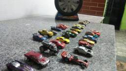 Título do anúncio: Carrinhos Hot Wheels R$2,00