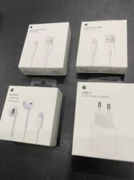 Apple ( Carregador, CaboLightning, Fonte USB-C, Fone Earpods )