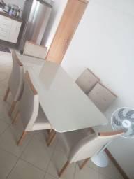 Título do anúncio: Mesa de jantar com seis cadeiras