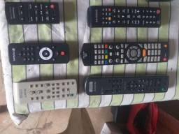 Título do anúncio: Vendo Controles de TV e Som Todos Originais