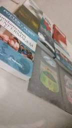 Vende-se um Kite de diversos livros de enfermagem novos