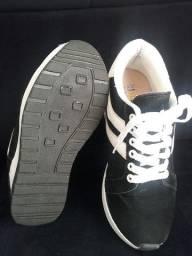 Vendo Tênis Feminino Sneaker;