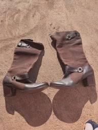 Disponho de bota linda usada