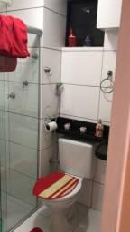 Divido apartamento de dois quartos e dois banheiros na pajucara ,