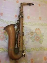 Título do anúncio: Vendo sax alto weril master