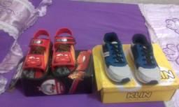 Vendo sandália e um tênis