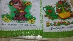 Vendo guardanapos bordados simples