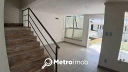 Casa de Condomínio com 3 quartos à venda, 156 m² - Alto do Calhau