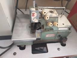 Máquina de costura interloque