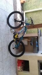 Bicicleta semi novo 1 ano de uso modelo: viking x tufe 25