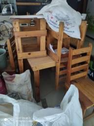 Mesas com cadeiras feitas de palete, balcao de atendimento( leia a descrição )
