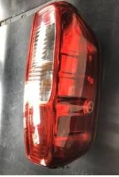 Lanterna Traseira Nissan Frontier 2008