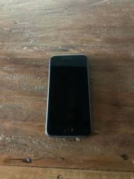iPhone 8 de 64gb preto 1 ano de uso (muito novo)