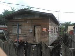 Vende -se uma casa no bairro provedor 2
