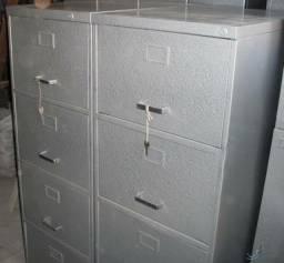 Arquivos e armários de aço reformados