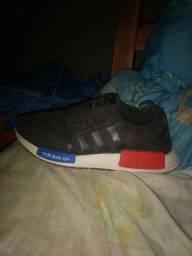 Sapato Adidas tamanho 40