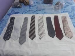 Vendo gravatas semi novas