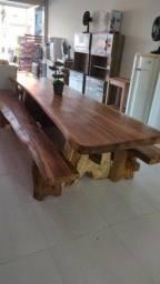 Mesa madeira maciça 3 metros com 2 bancos