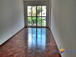Título do anúncio: Excelente apartamento 3 quartos, sendo 1 suíte, próximo ao centro à venda na Tijuca, Teres