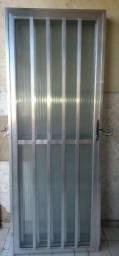 Título do anúncio: Porta Em Aluminio Com Vidro<br>