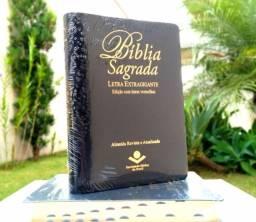 Bíblia de Púlpito Edição de Luxo com letras extragigantes e vermelhas