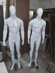 Título do anúncio: Manequins  masculino  semi  novos