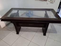 Mesa de madeira e vidro para 6 lugares