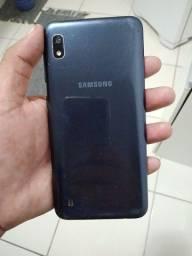 A10 da Samsung tela trincada mais não interfere em nada vende ou troca