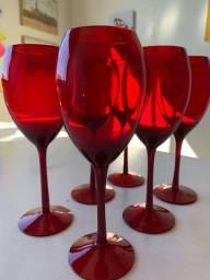 6 copos de vinho vermelhos