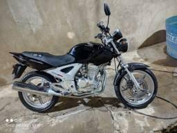 Título do anúncio: Honda twister 250 cc
